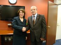 Me senatoren e Shtetit të Minesotas, Amy Klobuchar
